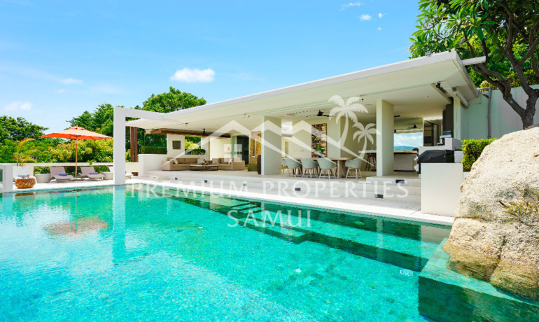 Sumptuous 4 Bedroom Sea View Pool Villa in Choeng Mon
