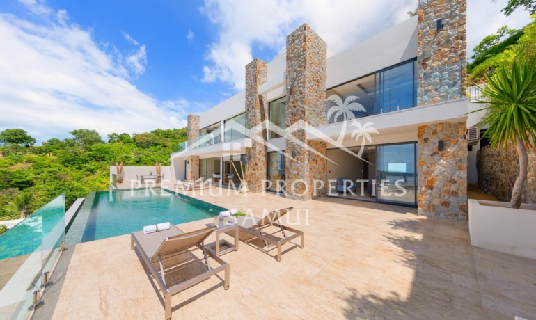 Magnificent 3 Bedroom Sea View Pool Villa in Bophut